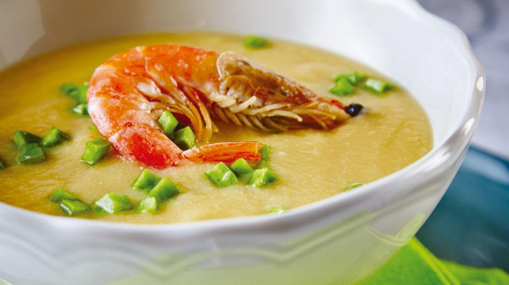 Crema de haba con camarón y nopal