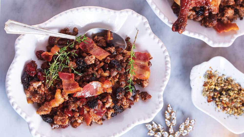 relleno de pavo de carne con pasas y miel de maple