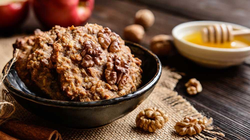 Ricas galletas de manzana y granola muy nutritivas