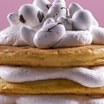 Pastel de harina de hot cakes con blueberries