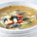 Deliciosa sopa de elote con huitlacoche ¡hecha con ingredientes veganos!