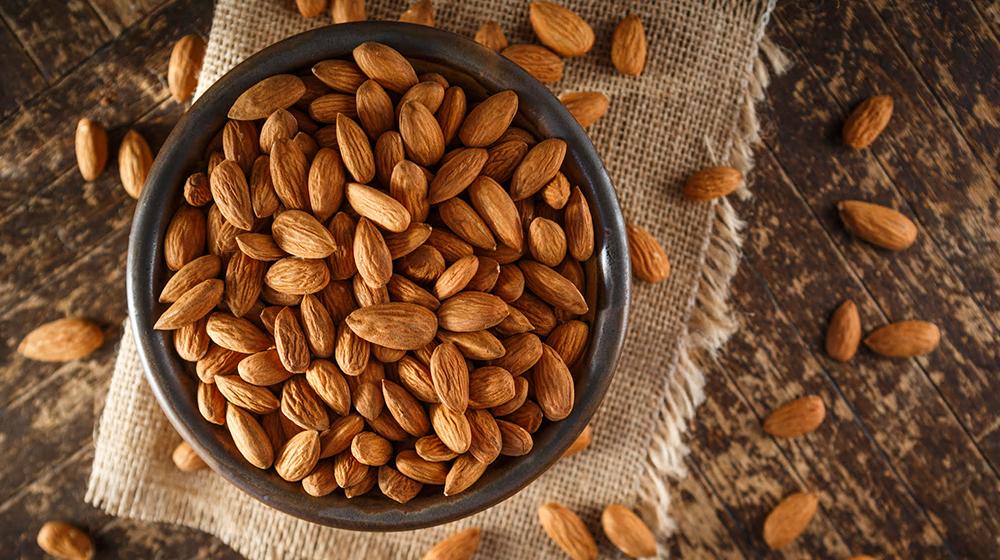 6 beneficios de comer almendras