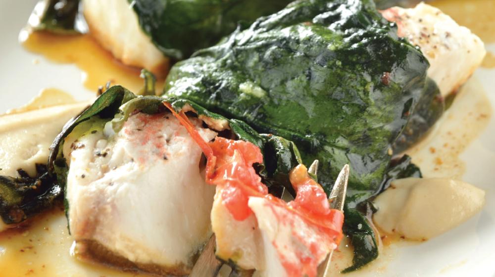 Filete de pescado envuelto con tahina