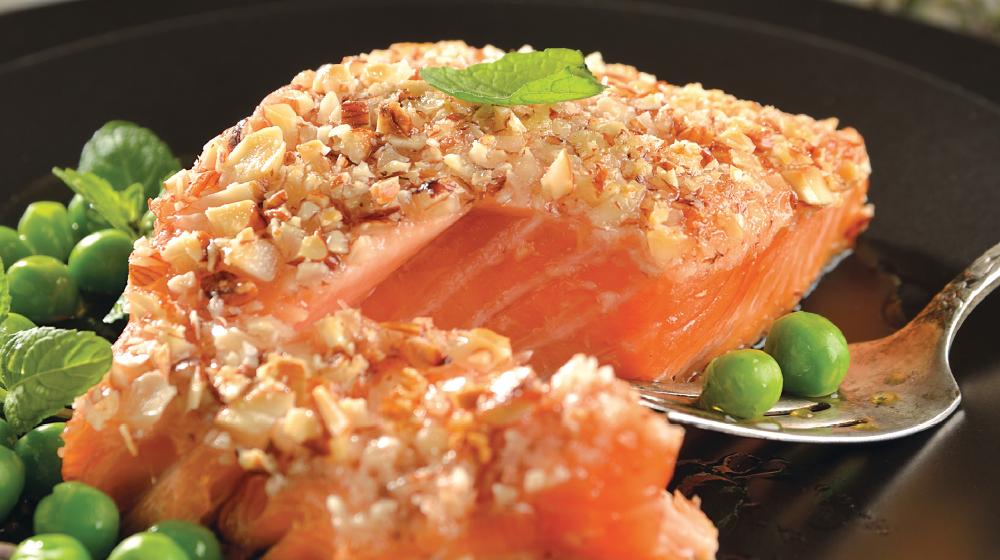 Receta de salmón con costra de almendras