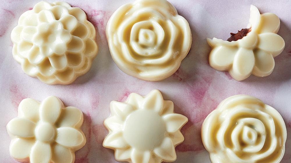 gelatinas de vainilla rellenas de crema de avellana