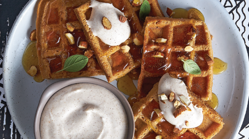 Exquisitos y originales waffles de calabaza con crema