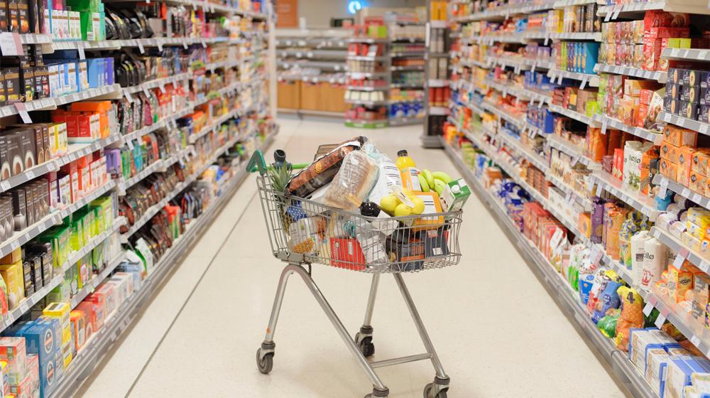 alimentos no perecederos en el supermercado