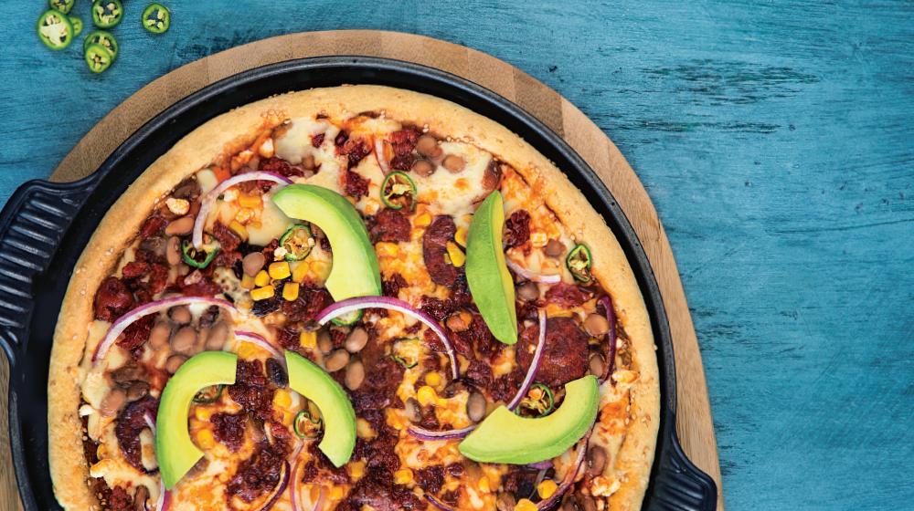 Pizza mexicana con frijoles y chorizo