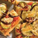 Pizza vegetariana con calabacitas y champiñones