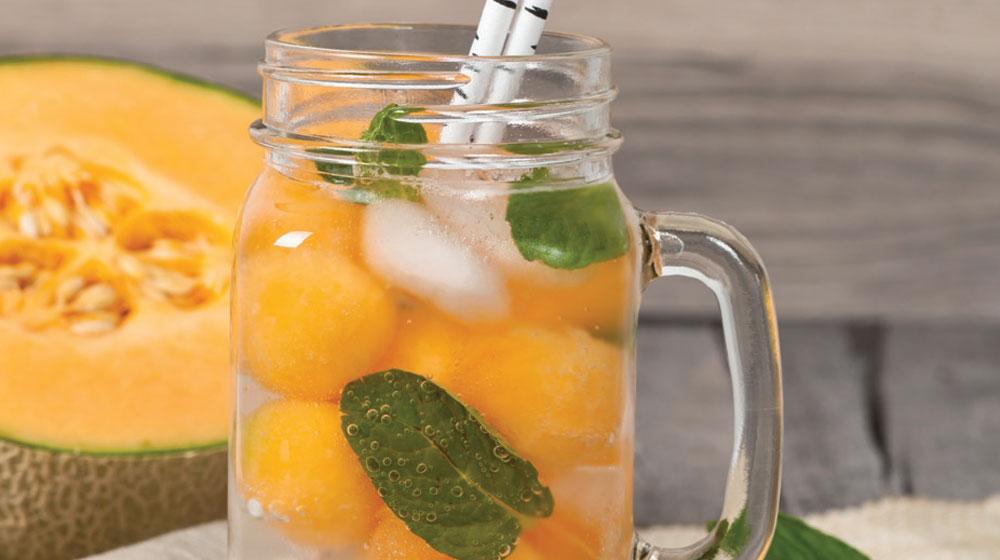 agua de coco con melón