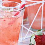 agua de fresa, albahaca y toronja