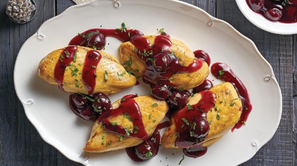 Pechuga de pollo con salsa de cerezas