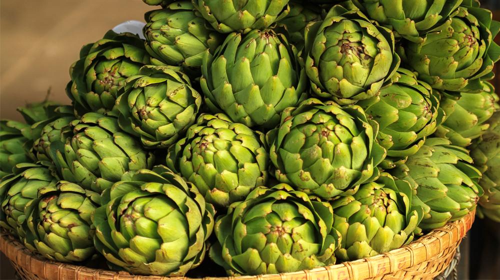 Lo que tienes que saber del té de alcachofa y sus beneficios | Cocina Fácil