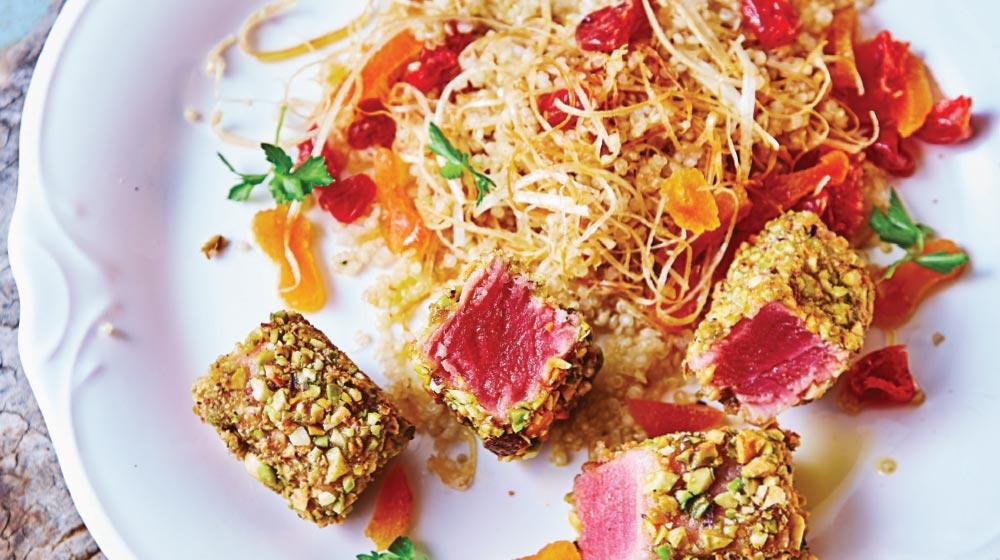 Cómo hacer ensalada de atún con costra de pistache