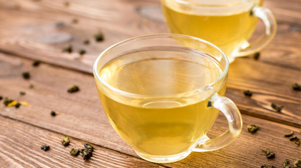 Los beneficios de tomar té de cáscara de piña.