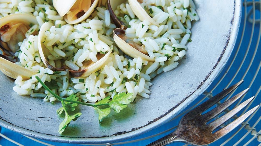 arroz blanco con almeja y perejil