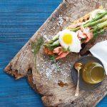 crostini de salmón