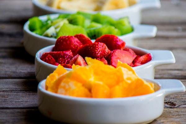 Medida 1 taza de frutas picadas