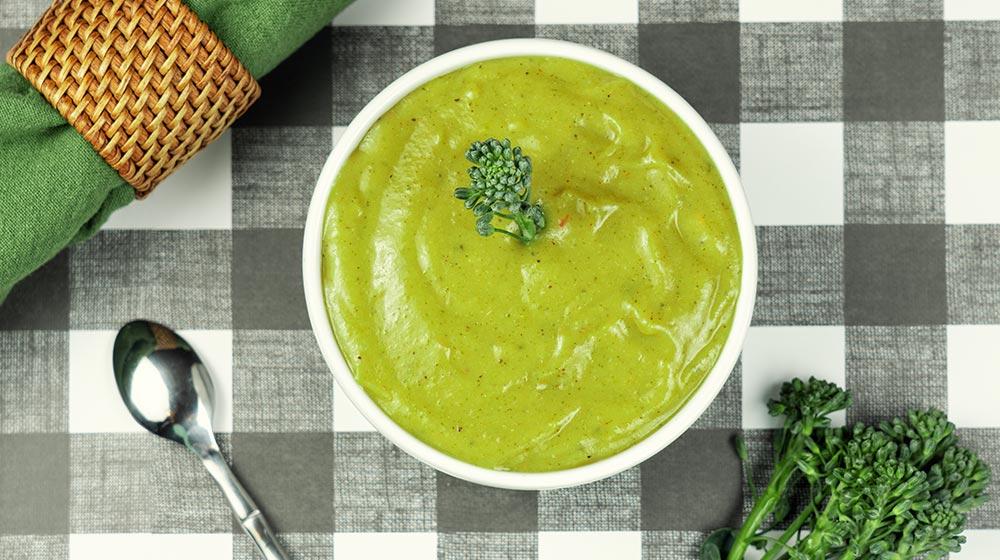 sopa cremosa de brócoli