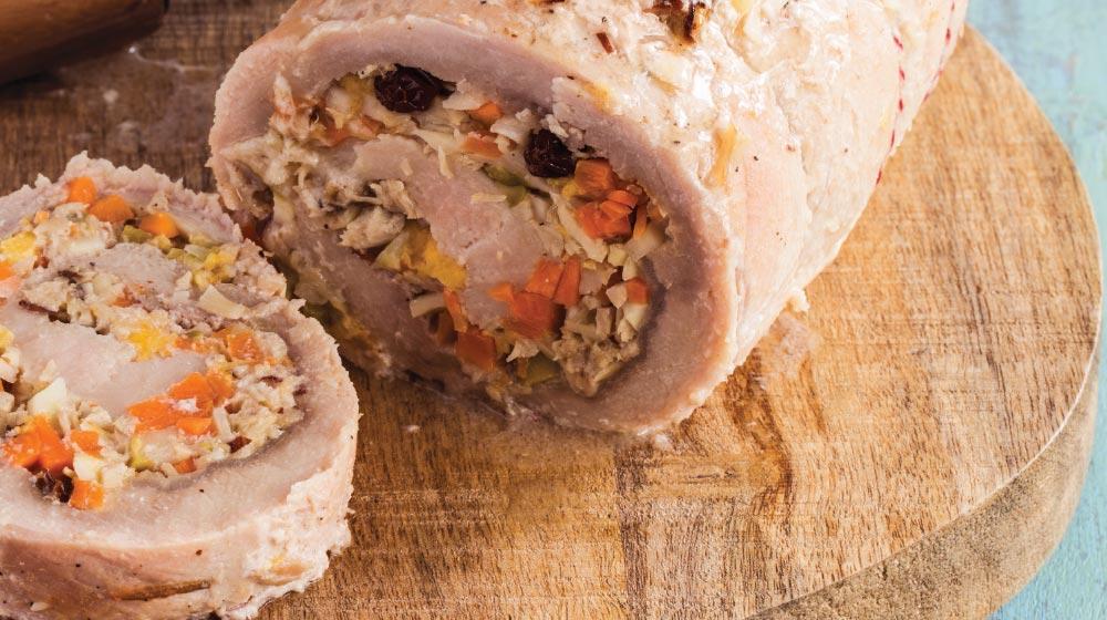 lomo de cerdo relleno de carne y frutos secos