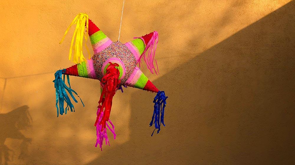 significado de la piñata navideña