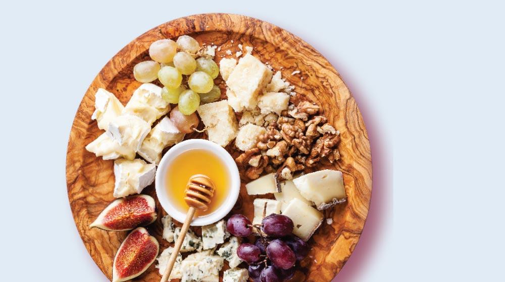 tabla de quesos dulce con frutos