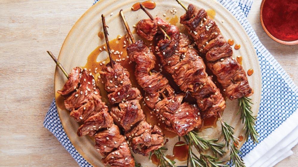 brochetas de carne arrachera con romero