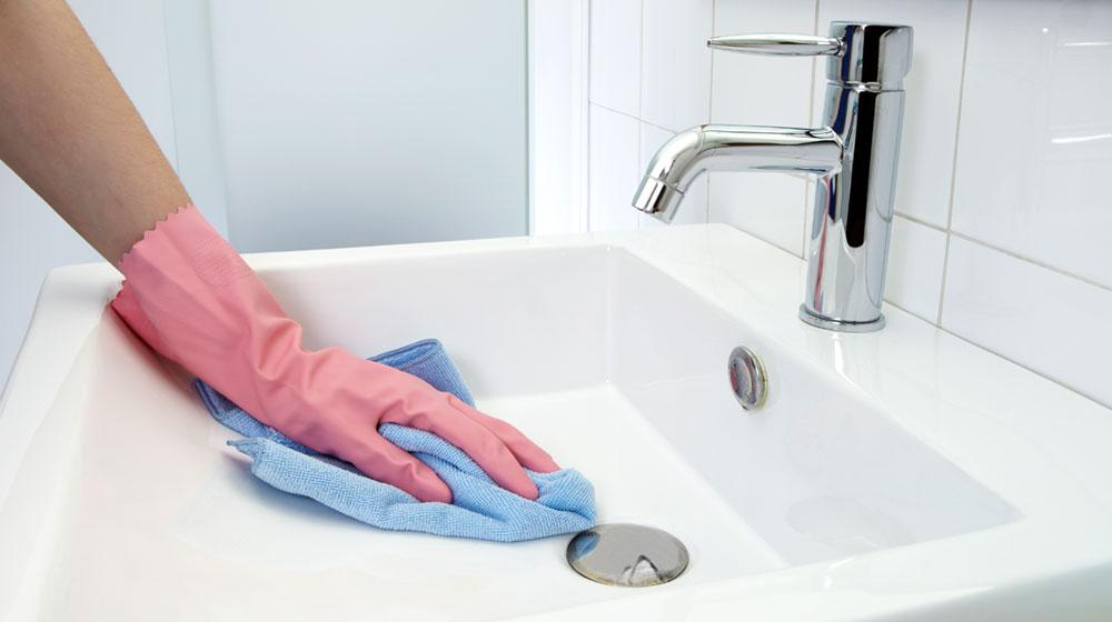 limpiar con agua oxigenada