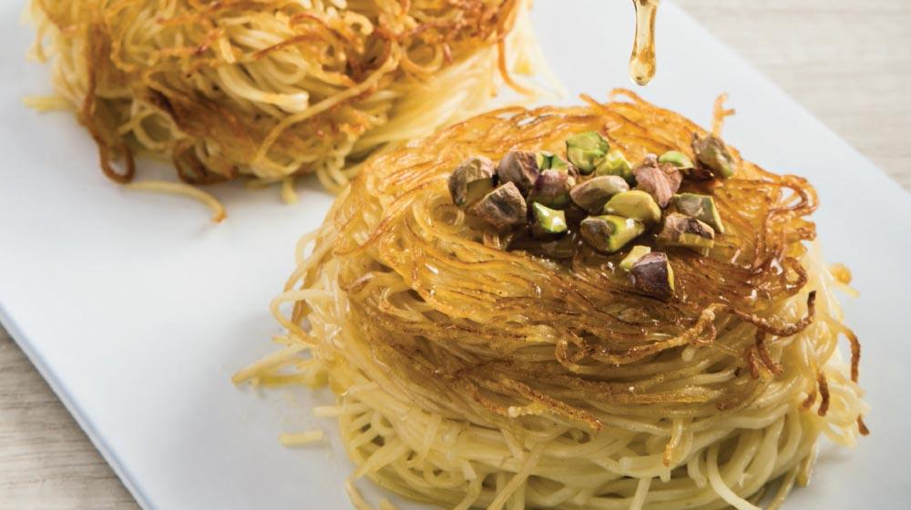 nidos de pasta con miel y pistache