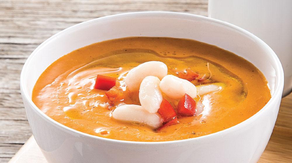 sopa de alubias con jitomate y pimiento