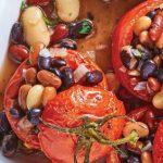 tomates rellenos de diferentes frijoles