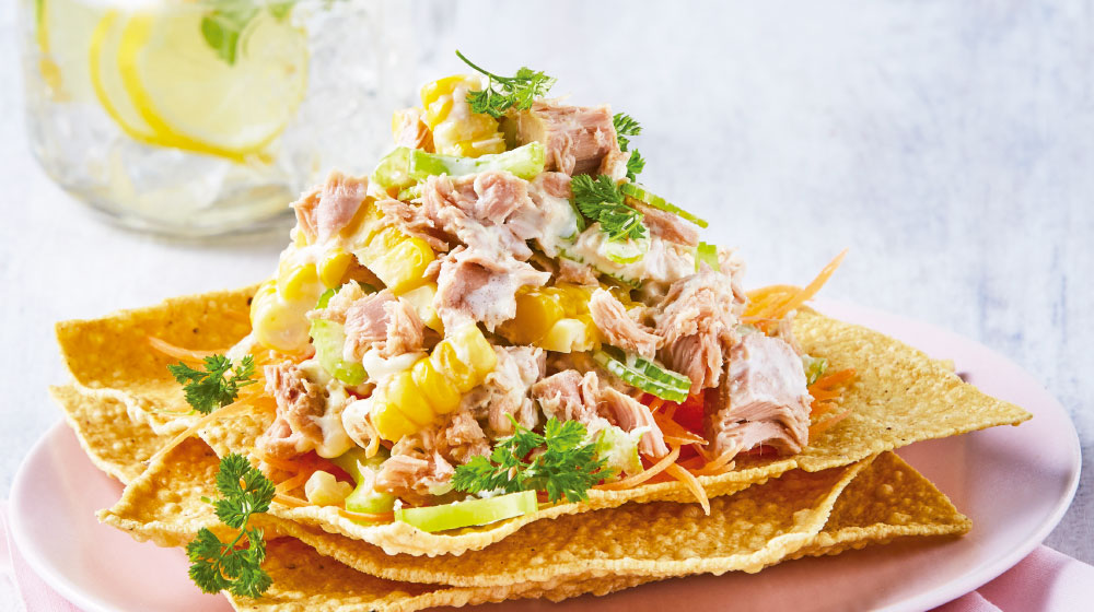 tostadas de atún con mayonesa y verduras