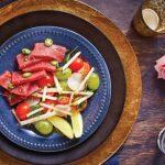 ensalada de sashimi de atun