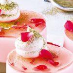 gelatina de rosas con matcha
