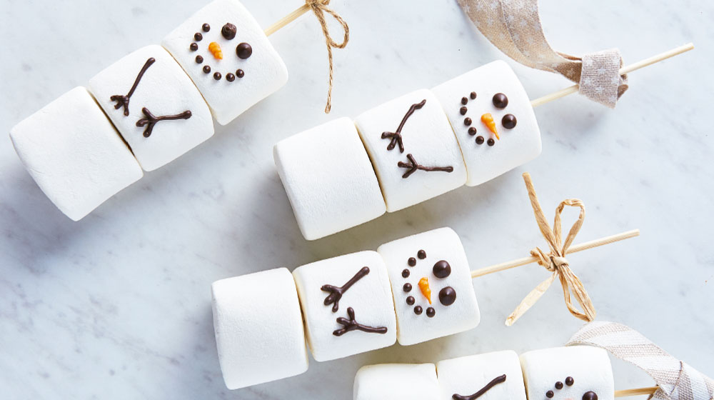 Hombres de nieve hechos de bombones