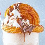 Malteada con churros y helado de vainilla