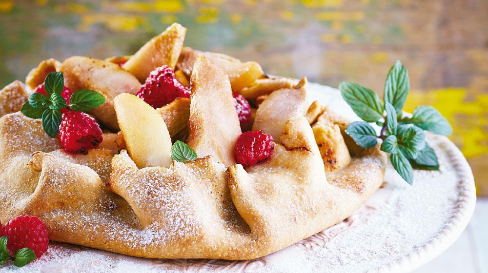 Crostata de peras y frambuesas: postre italiano