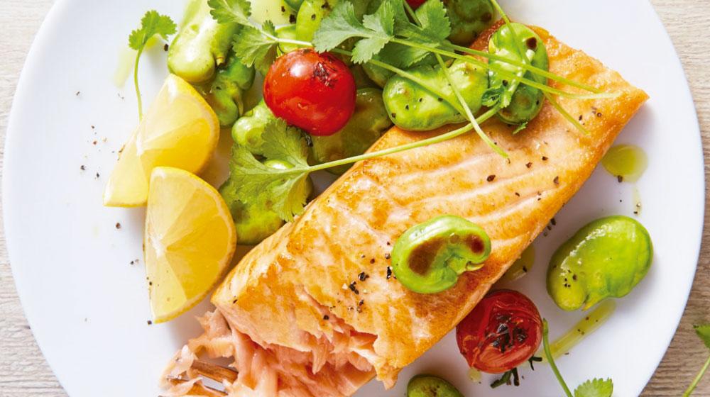 Habas verdes receta con salmón