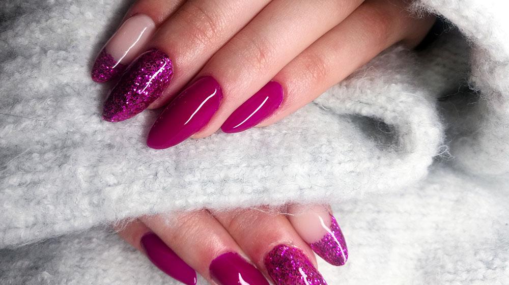Quita las uñas de acrílico fácilmente en casa
