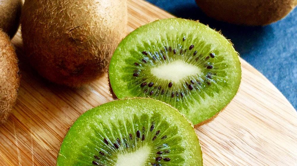 Beneficios del kiwi para que lo pruebes esta temporada | Cocina Fácil
