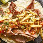 Tacos de cecina de res con papas fritas
