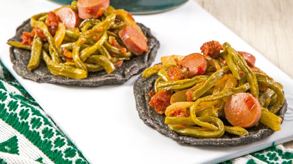 chorizo recetas: nopales guisados