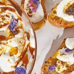 Receta de jocoque en dip con flores y chile