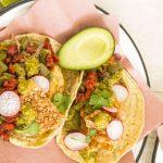 Tacos placeros con chorizo y nopales