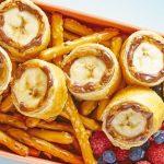 Rollltos de plátano con pretzels