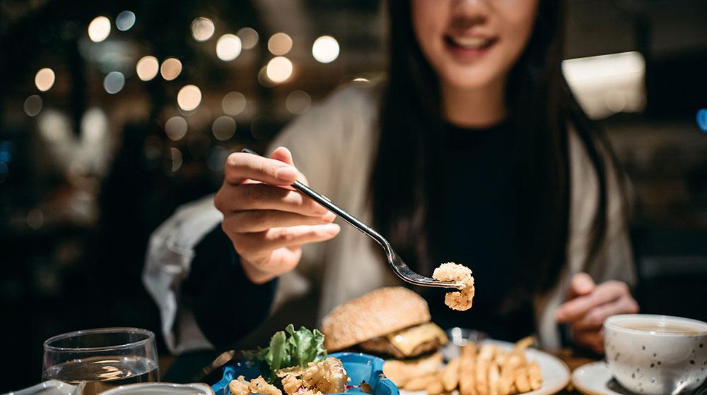 Hora de la cena: tips para no pasarte al comer
