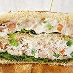 Sándwich de atún con mayonesa