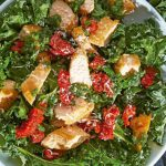 Ensalada de pollo receta con kale y jitomate