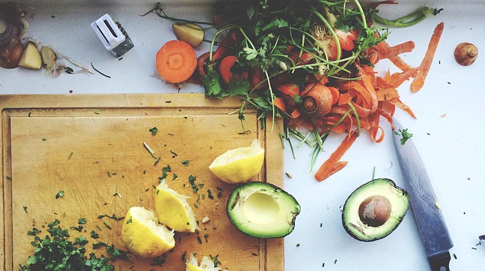 Cómo reutilizar las cáscaras de los alimentos