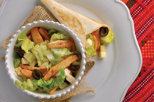 Recetas con pollo, recetas de pollo: Burrito de pollo con ensalada mediterránea